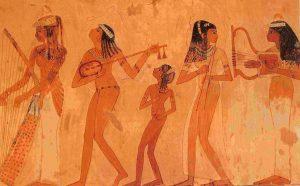 Fresque représentant la musicothérapie avec des personnes qui jouent de plusieurs instruments